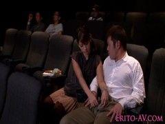 Ninaが映画館で鑑賞中に発情してフェラチオし始めるエックスびで 日本人